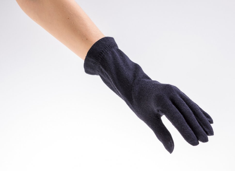 Q手袋C-05トリミ